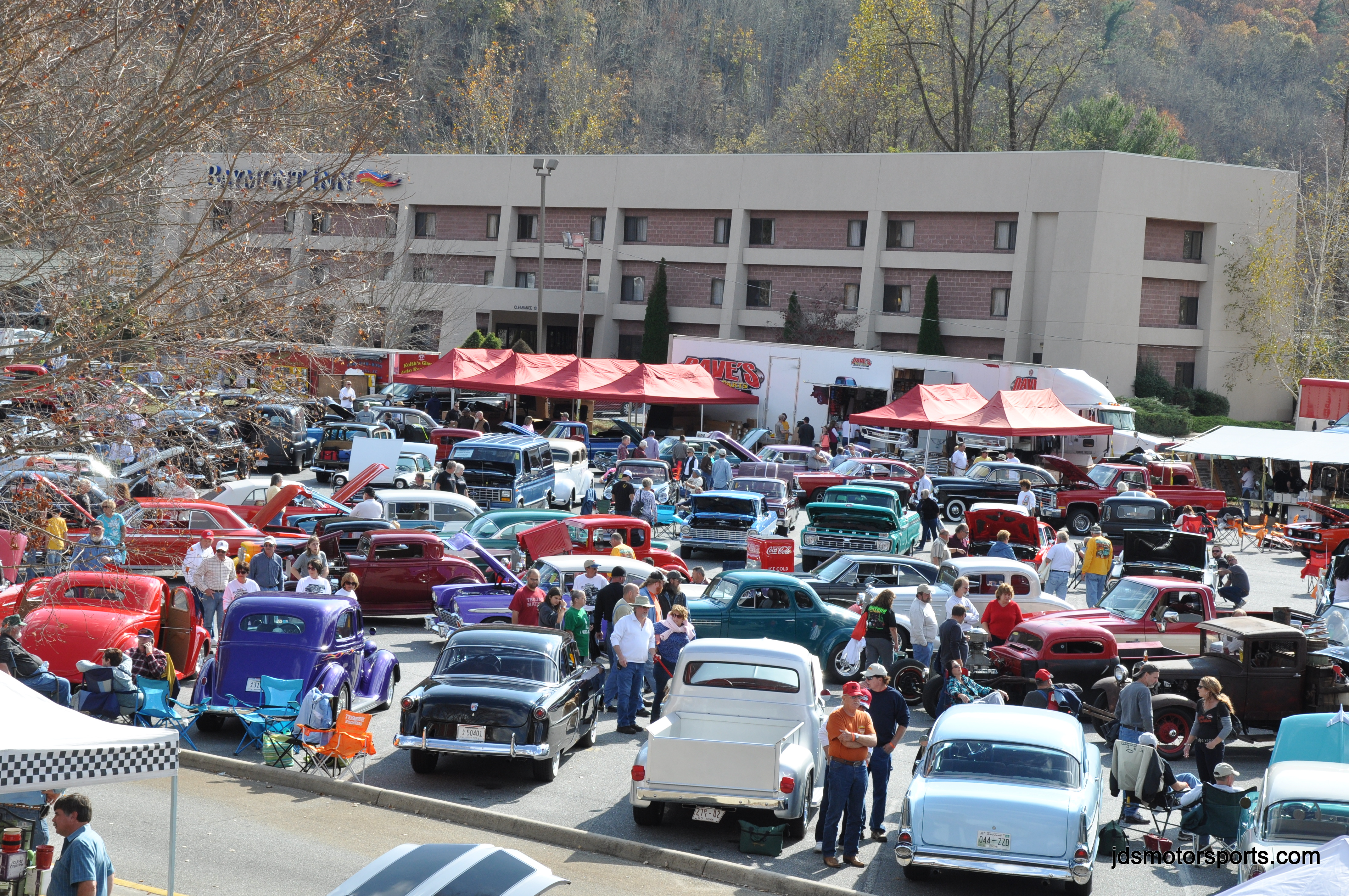 Cruisin the smokies fall rod run 11 3 2012 jdsmotorsports - Cruisin carolina magazine ...